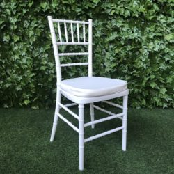 White-strong-pvc-plastic-chiavari-chair-with-white-cushion-for-the-seat