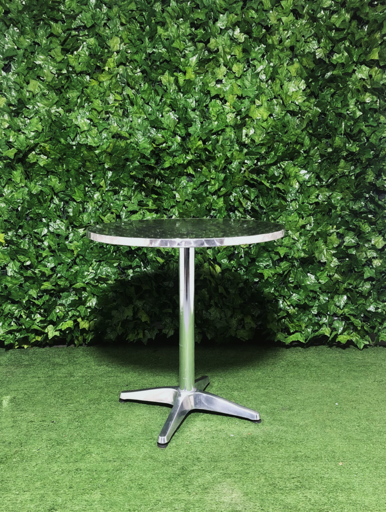 round-aluminium-cafe-table-circle-metal