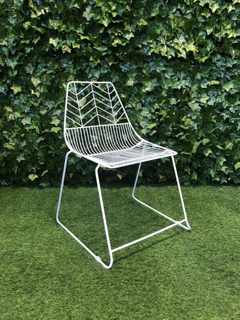 powder-coated-steel-white-wire-modern-geometric-patterned-frame-chair-for-seating