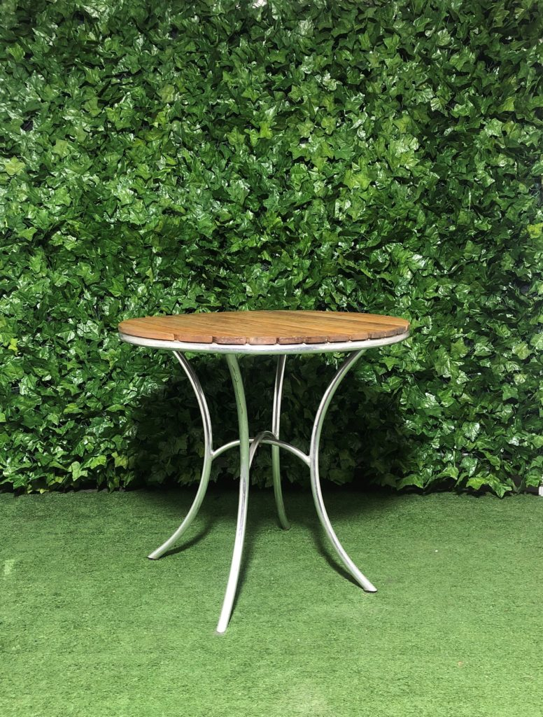 wooden-slatted-aluminium-cafe-table-outdoor-dining