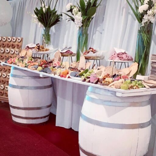 white-wine-barrel-bar-as-grazing-table